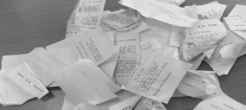 Taloushallinnon sähköistäminen vähentää paperin määrää.
